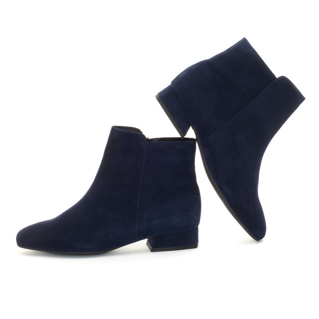 Clara Ankle Boots / Navy