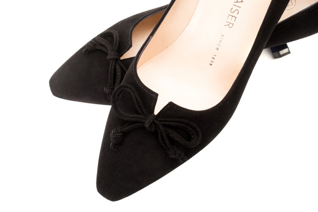 Mizzy Court Shoes / Black