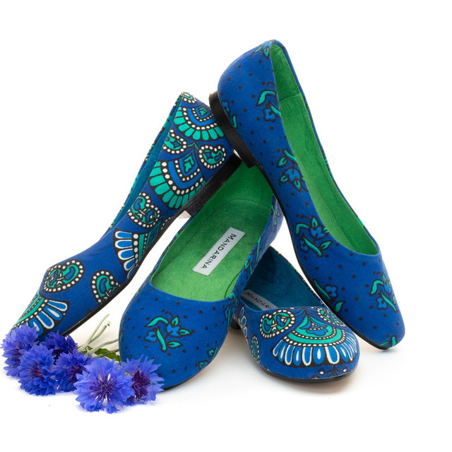 PEACOCK Blue PUMPS