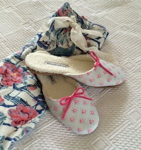 Rose Bud Chintz Slippers