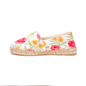 WHITE FLOWER ESPADRILLES