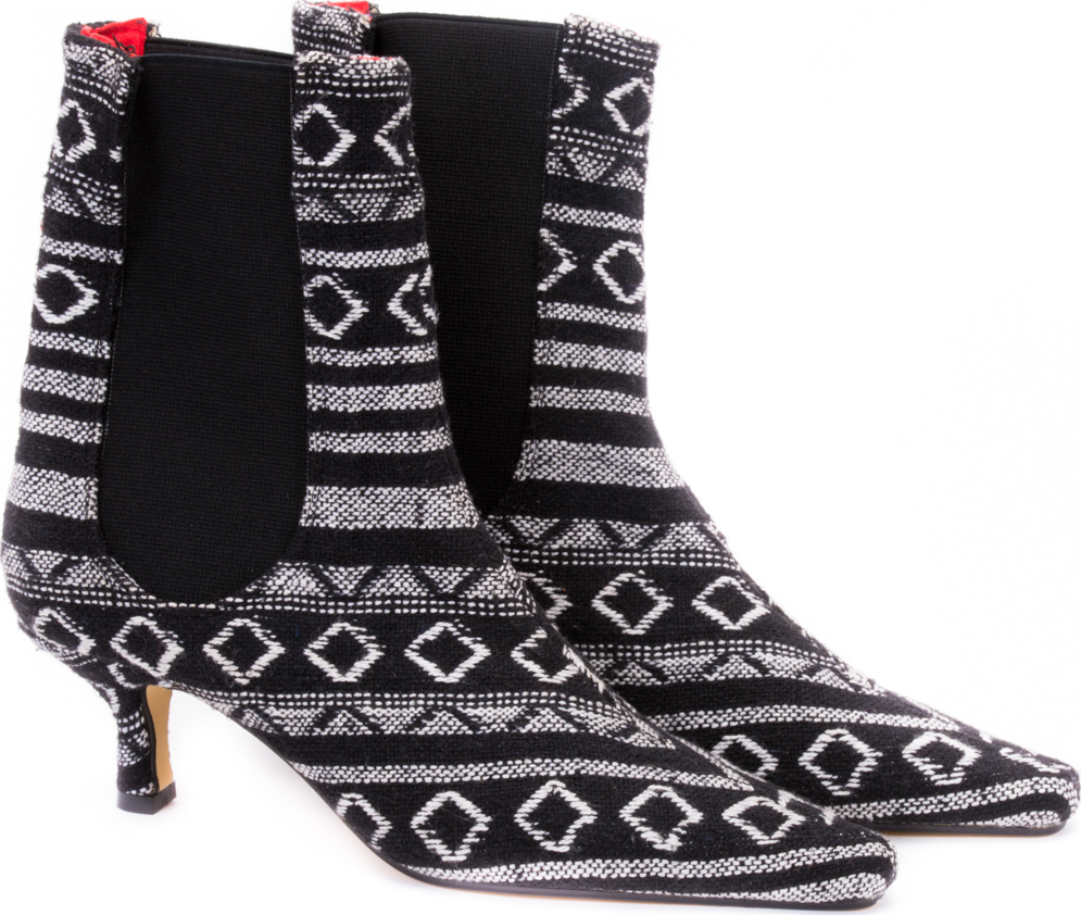 Black & White Aztec Pattern Pull On Boots