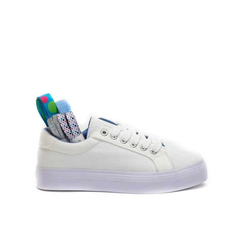 Ribbon Sneakers / White